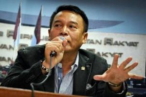 Wakil Ketua Komisi I TB Hasanudin