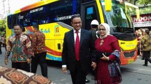 Gubernur DKI Anies Baswedan Bersama Istri
