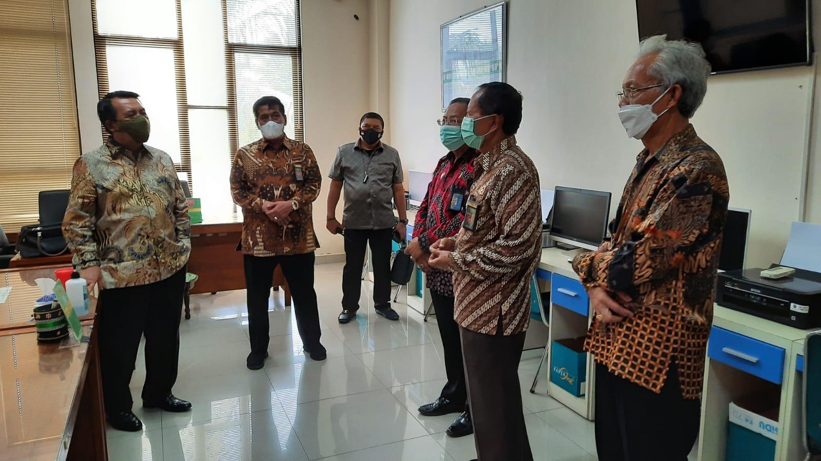 Kunjungi Pengadilan Di Wates, Ketua MA Ajak Seluruh Aparatur Bekerja Dengan Ikhlas